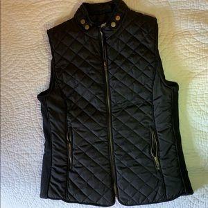 🆕 Black Quilted Vest